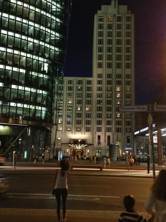 The Ritz-Carlton, Berlin: Night view
