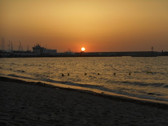Hammamet Beach : Sunrise over the Marina