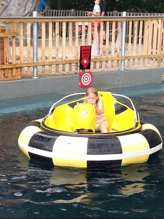 Clark's Trading Post and the White Mt. Central RR: Water Blaster Bumper Boats