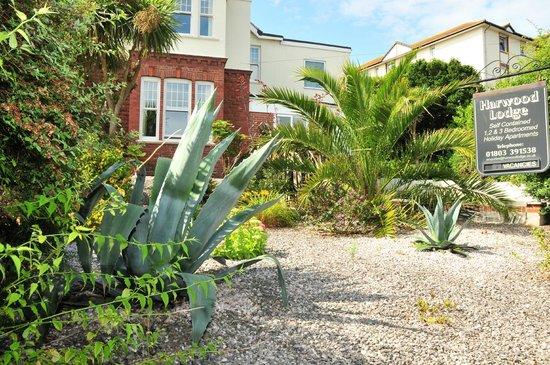 Harwood Lodge : Front Garden