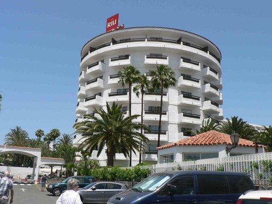 Hotel Servatur Waikiki : Strassenseite