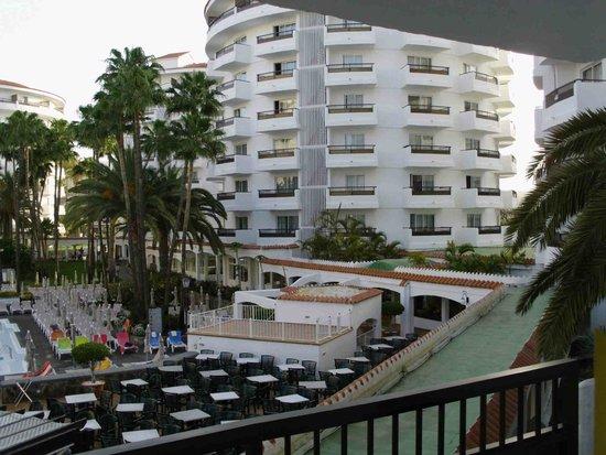 Hotel Servatur Waikiki : Zimmer blick