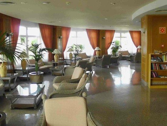 Hotel Servatur Waikiki : Lobby
