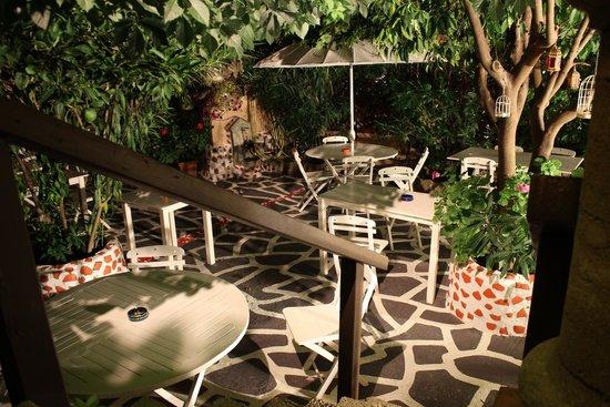 Hotel Attiki: Terrazza