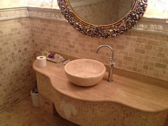 Lukka Exclusive Hotel: Bath