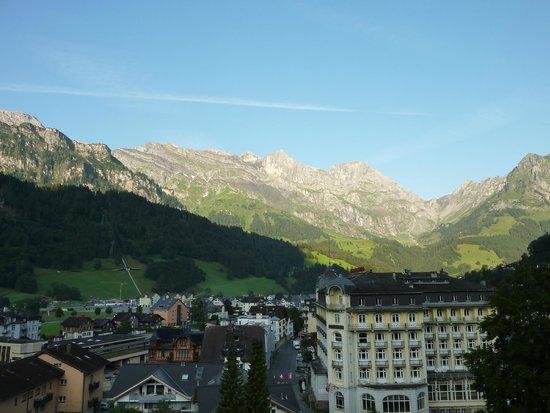 H+ Hotel & SPA Engelberg: Aussicht vom Balkon