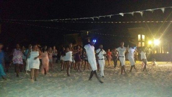 Ocean Blue & Sand: Party Beach