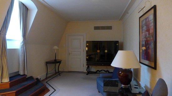 Hotel Taschenbergpalais Kempinski: Arbeits-/Wohnzimmer einer Regenten Suite