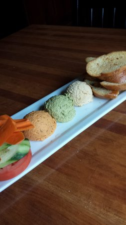 Lumberyard: hummus dips - so filling