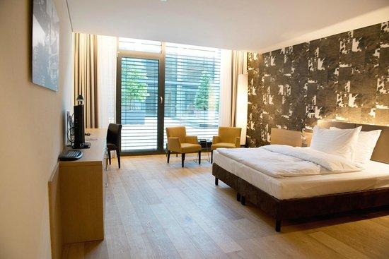 Ramada Feusisberg Einsiedeln: Guest room
