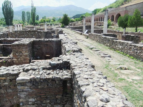Heraclea: main street and baths