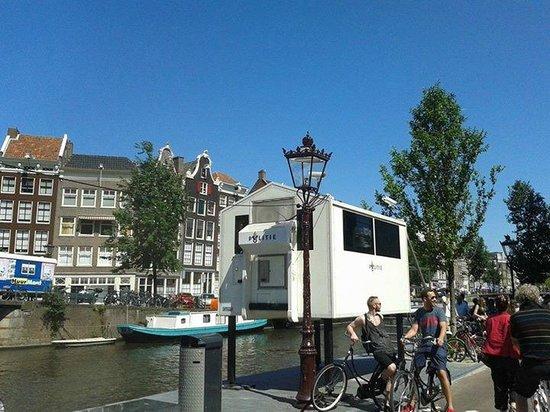 De Duif: Police Box in Prinsegracht