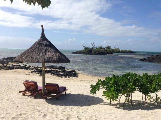Constance Prince Maurice : Petit plage derrière la villa princière