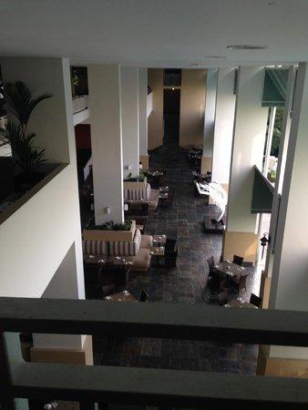 Sheraton Bijao Beach Resort: buffet area