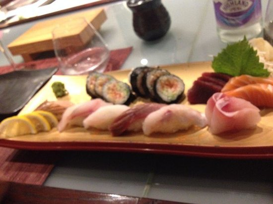Zen Japanese Sushi Bar & Teppanyaki: sushi sashimi misto