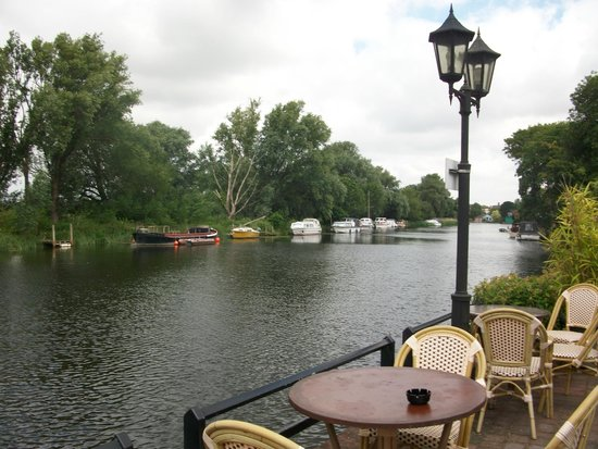The Waveney House Hotel: Lovely view to the right...