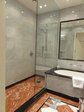 Art Nouveau Palace Hotel: Ванная комната