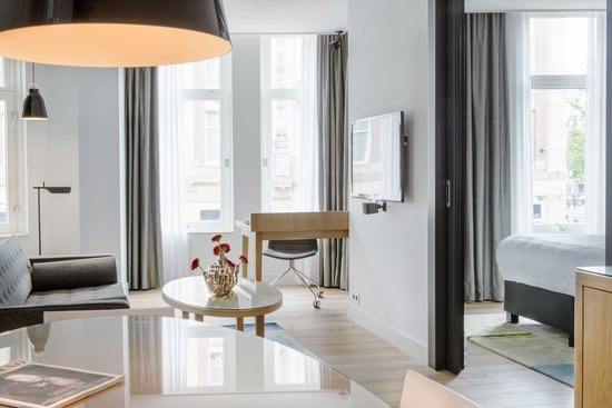 Swissotel Amsterdam: City View Suite