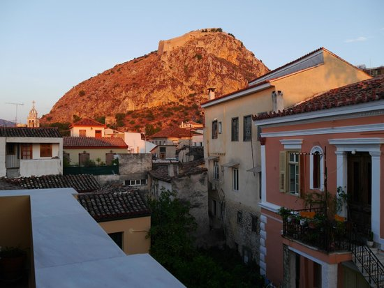 Aetoma Hotel: View of the castle from terrace