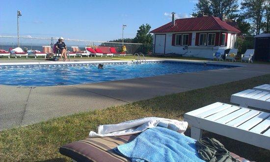 Hotel Tadoussac : piscine