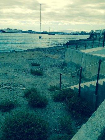 Los Cristianos Harbour: The Beach :(