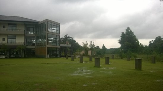 Vinrich Lake Resort : view from outside