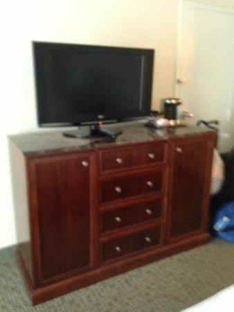 Hilton Singer Island Oceanfront/Palm Beaches Resort : TV