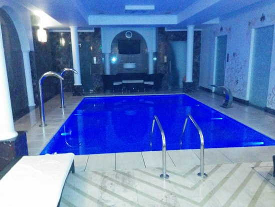 Epoque Hotel: jacuzzy pool in  spa