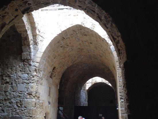 Paphos Harbour Castle : Archways