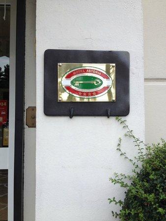Hotel Astoria: Entrance plaque