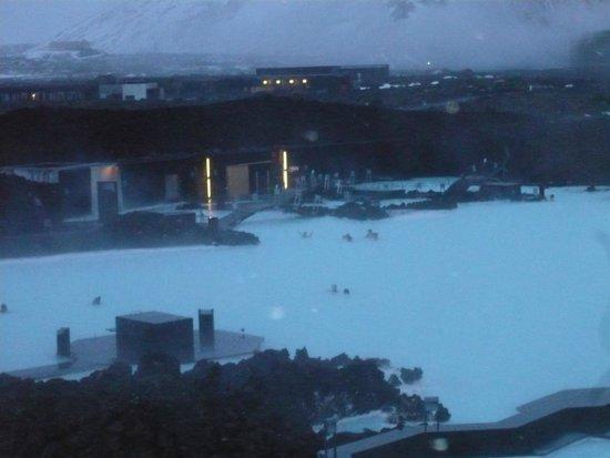 Blue Lagoon: 吹雪のため空いている
