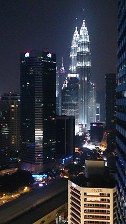 DoubleTree by Hilton Kuala Lumpur: loungeの喫煙場所から。