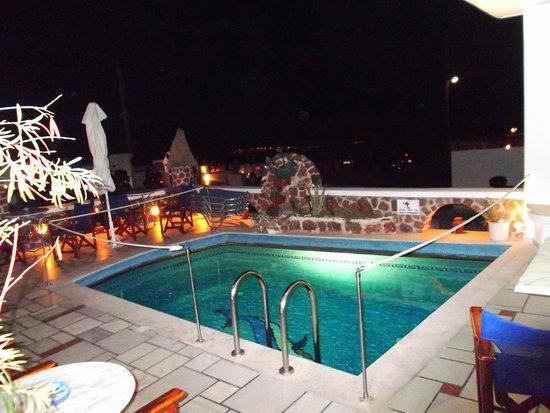 Merovigliosso Apartments: piccola piscina all'aperto