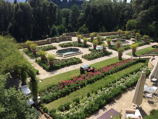 Il Salviatino: The view of the garden
