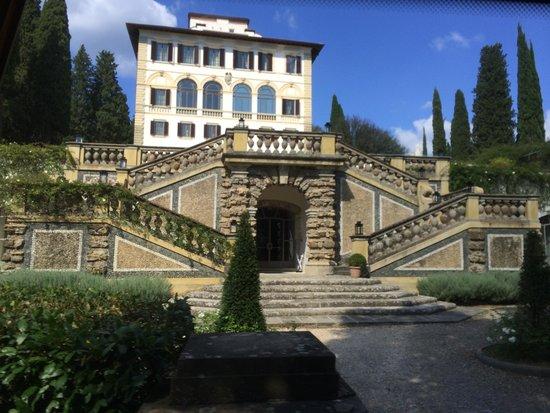 Il Salviatino: Driving up