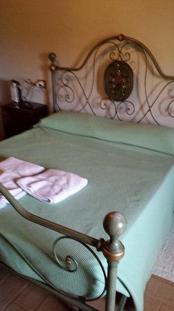 Castel Giorgio, Italy: camera da letto, il letto