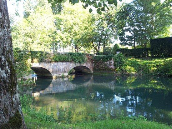 Manoir d'Hautegente: parc et rivière