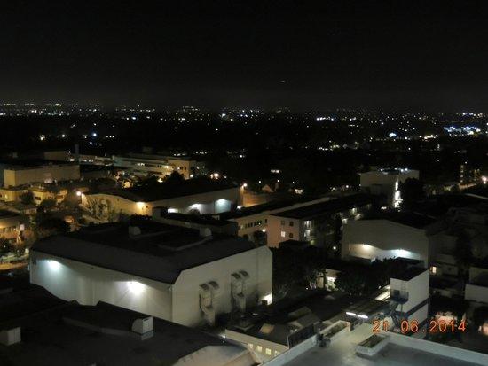 InterContinental Los Angeles Century City: Vista do quarto