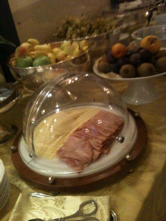 Hotel Berchielli: ontbijt zeer verzorgd, tikje saai