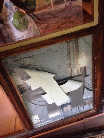 Pagel: smashed pane of glass