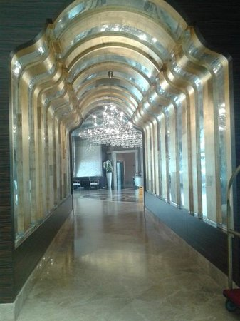 Ideal Prime Beach: Lobby walkway