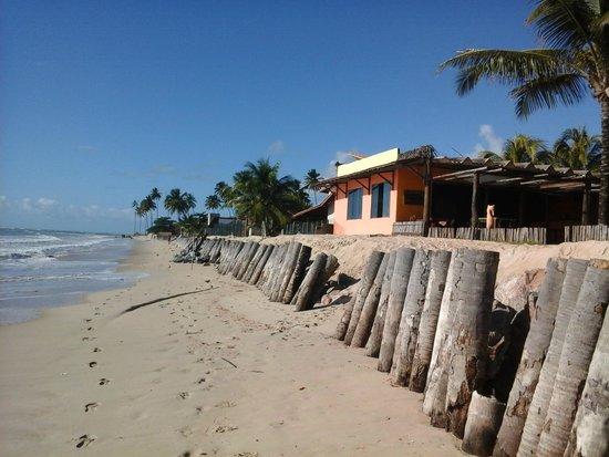 Pousada Brisas: Entrada pela praia