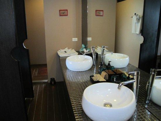 Mantra Samui Resort: bagno