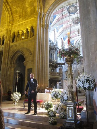 Se de Lisboa ( Igreja de Santa Maria Maior ): Взволнованный жених