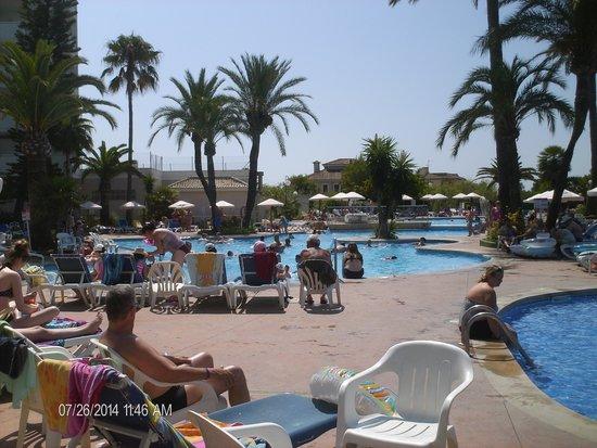Eix Lagotel: Main pool