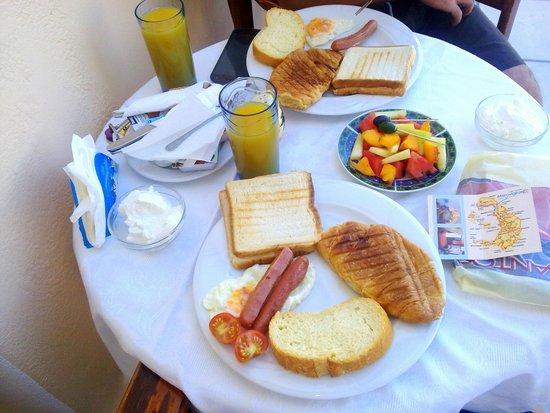 Merovigliosso Apartments: colazione