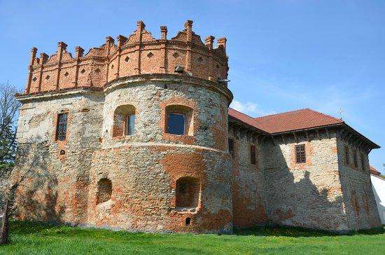 Starokostyantyniv, Ucrânia: Башня-донжон