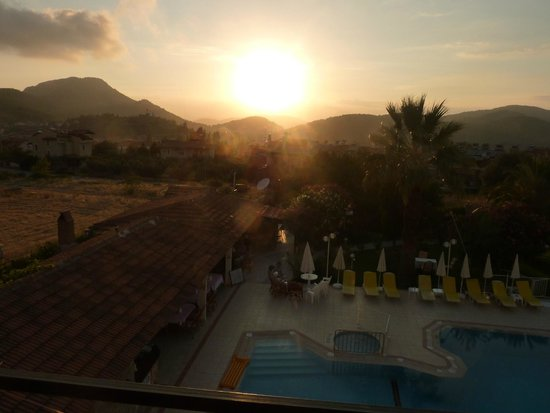 Olympos Hotel : The pool area at sunset