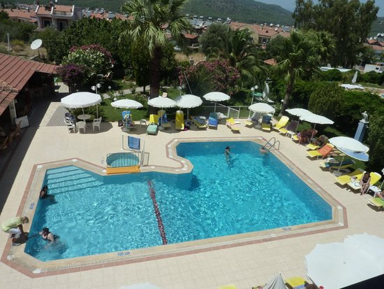Olympos Hotel: The pool from a 2nd floor room