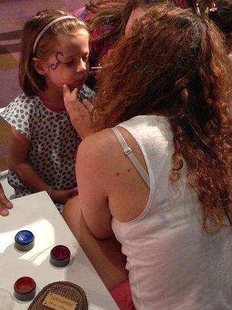 Club Med Opio Provence : atelier maquillage pour les enfants